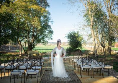 Novia en finca para boda al aire libres Hacienda campo y Olivo
