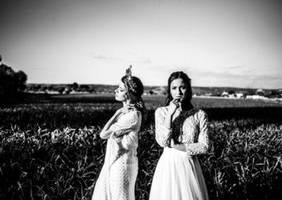Pareja de novias en finca para bodas Hacienda campo y Olivo